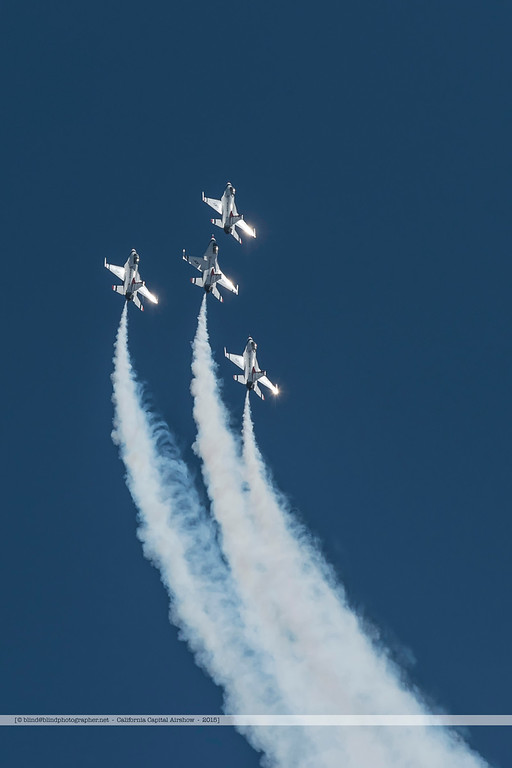 F20151002a143739_3741-Thunderbirds-F-16-show