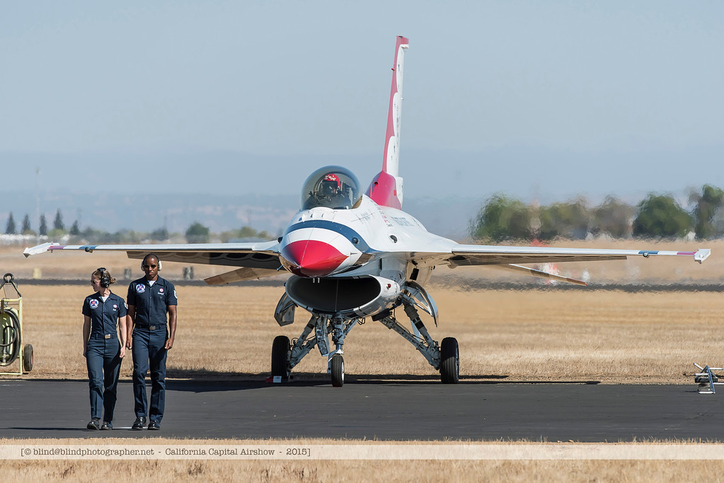 F20151002a141824_3642-Thunderbirds-F-16-getting ready for take-off