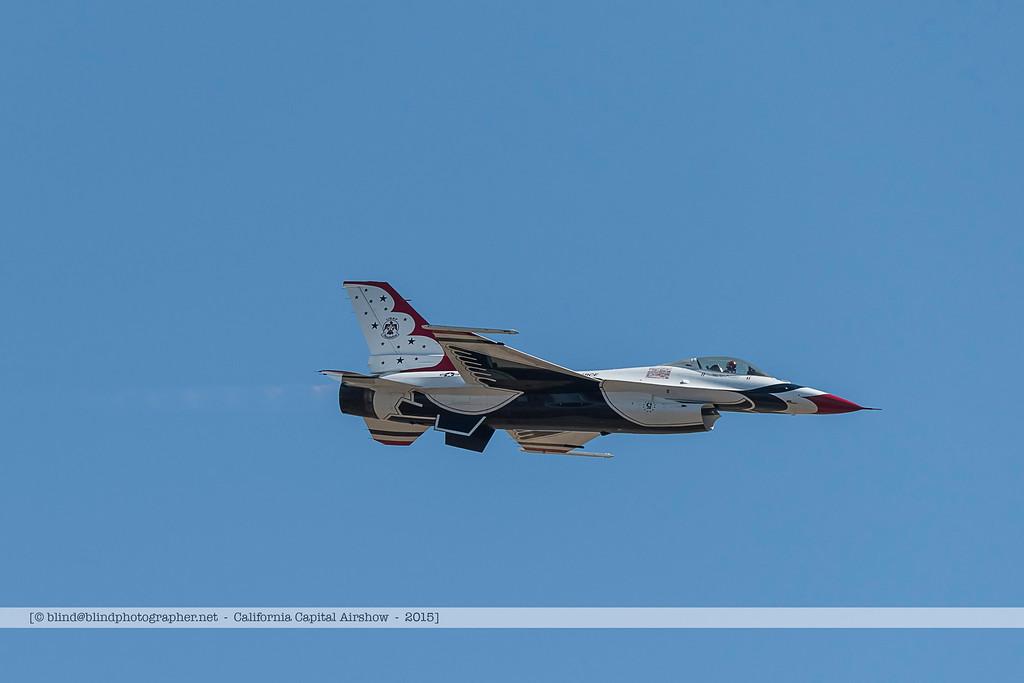F20151002a143342_3700-Thunderbirds-F-16-show