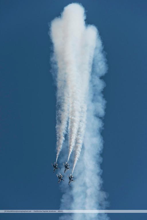 F20151002a143456_3717-Thunderbirds-F-16-show