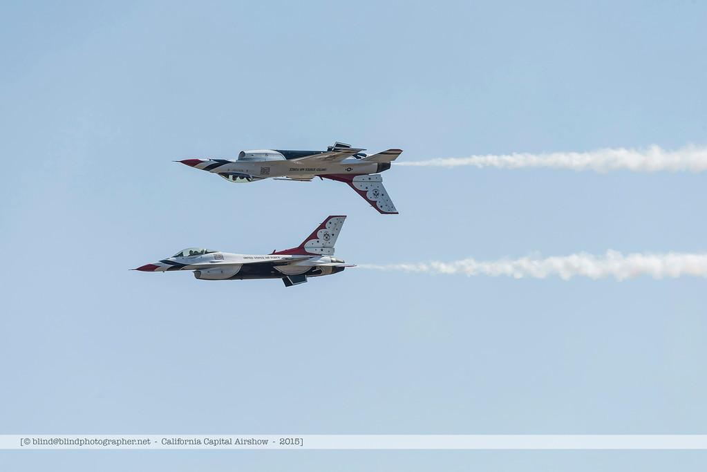 F20151002a144158_3786-Thunderbirds-F-16-show