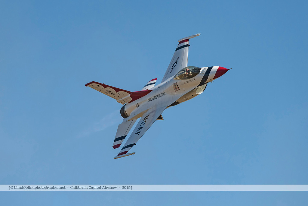F20151002a144607_3832-Thunderbirds-F-16-show