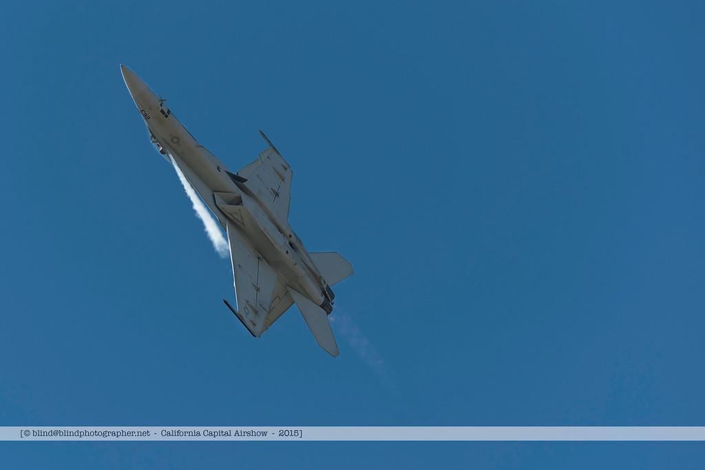 F20151003a131056_5664-F-18-vapor trail_1