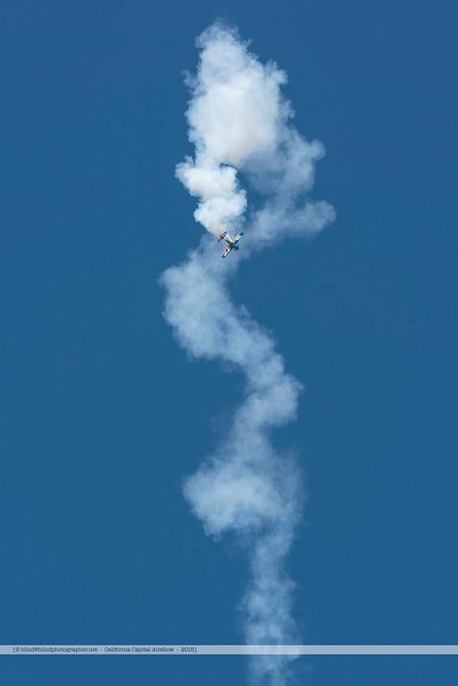 F20151003a120630_5069-National Air Guard-aerobatics