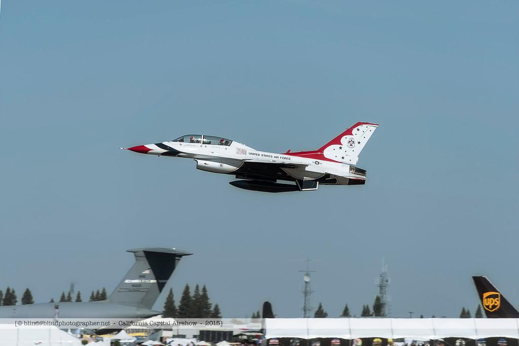 F20151003a104307_4903-F-16-Thunderbirds