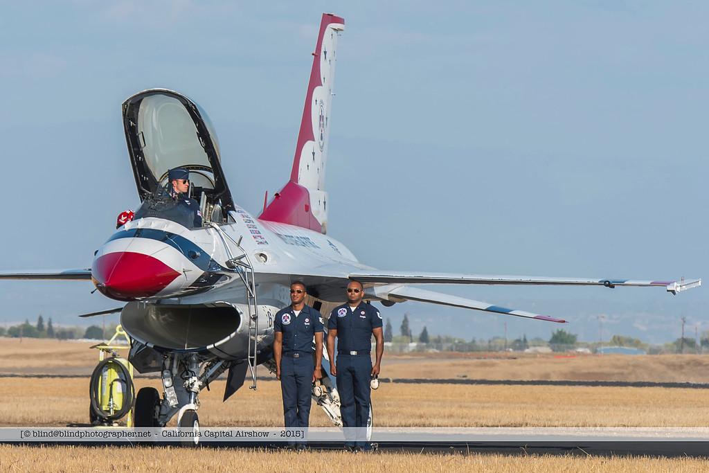 F20151004a153446_8143-F-16-on the ground-Thunderbirds