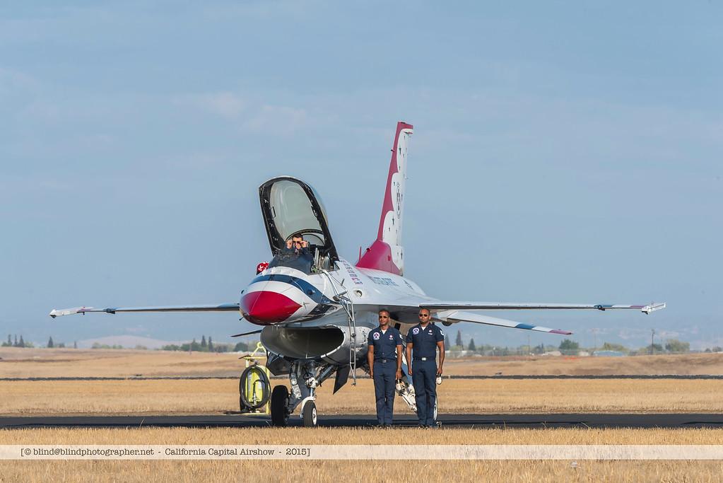 F20151004a153436_8139-F-16-on the ground-Thunderbirds