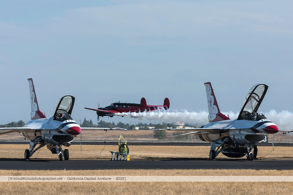 F20151004a135608_7611-Beech 18-Matt Younkin-in flight-F-16-Thunderbirds