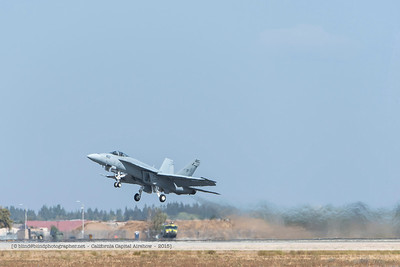 F20151004a125257_7019-F-18 Super Hornet-take-off