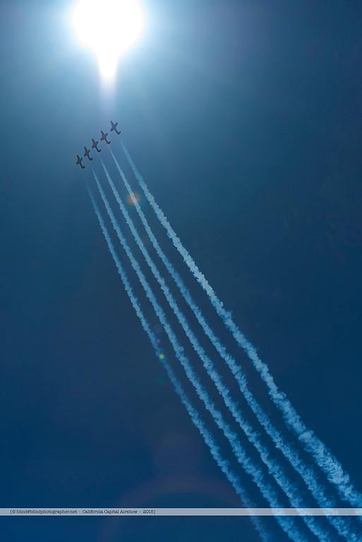 F20151004a135550_7375-Tutor-Snowbirds-in flight