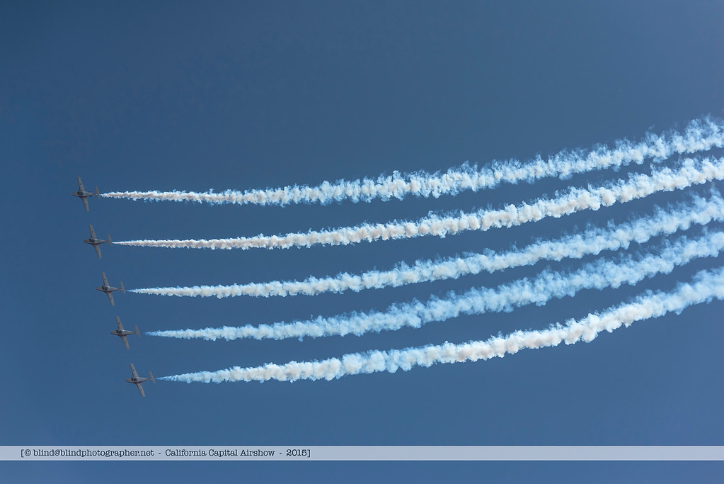 F20151004a135602_7377-Tutor-Snowbirds-in flight