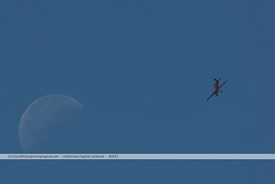 F20151004a121636_6802-moon and plane