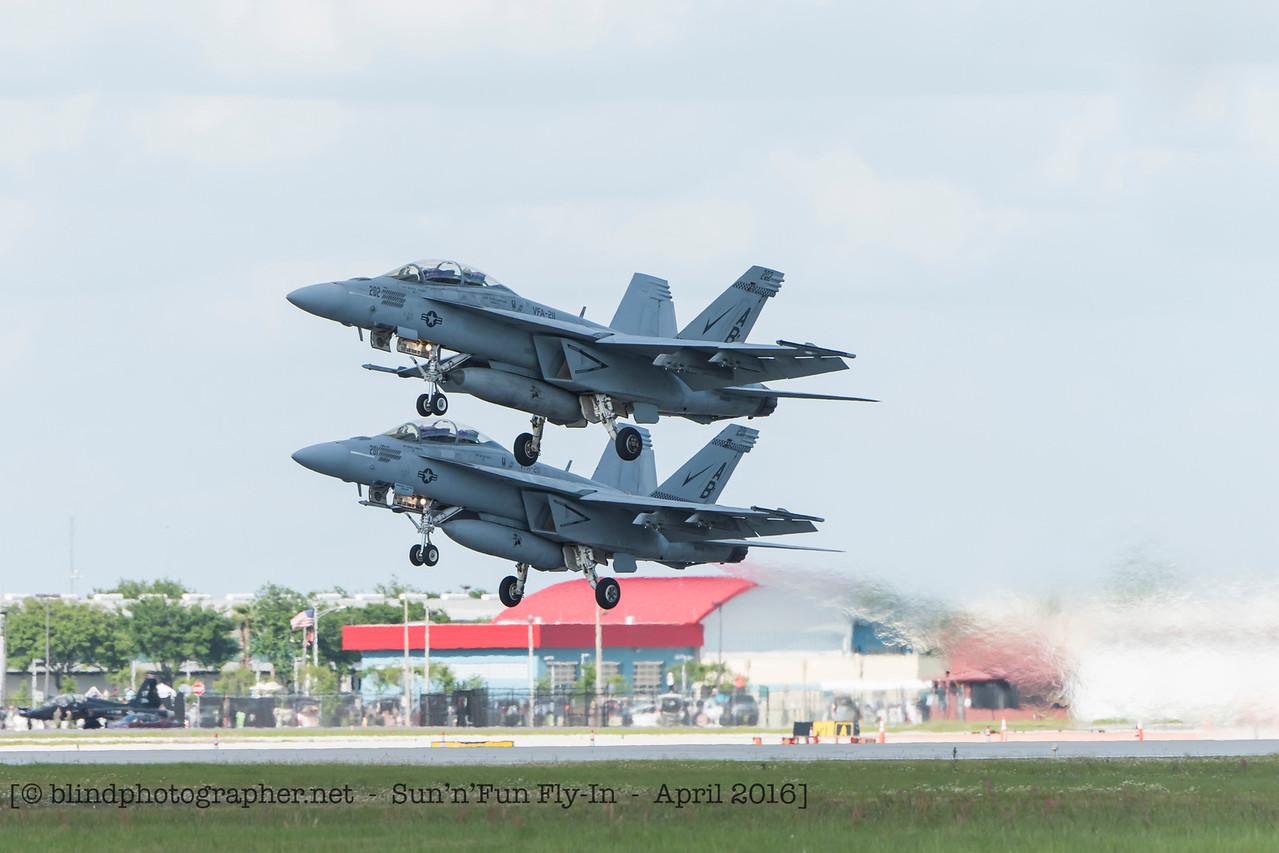 F20160410a171308_3975-F18 Super Hornet x2__takeoff_