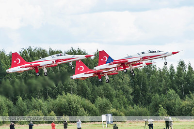 F20170827a150024_8386-Canadair NF-5 fighter-Turkish Stars-taking off