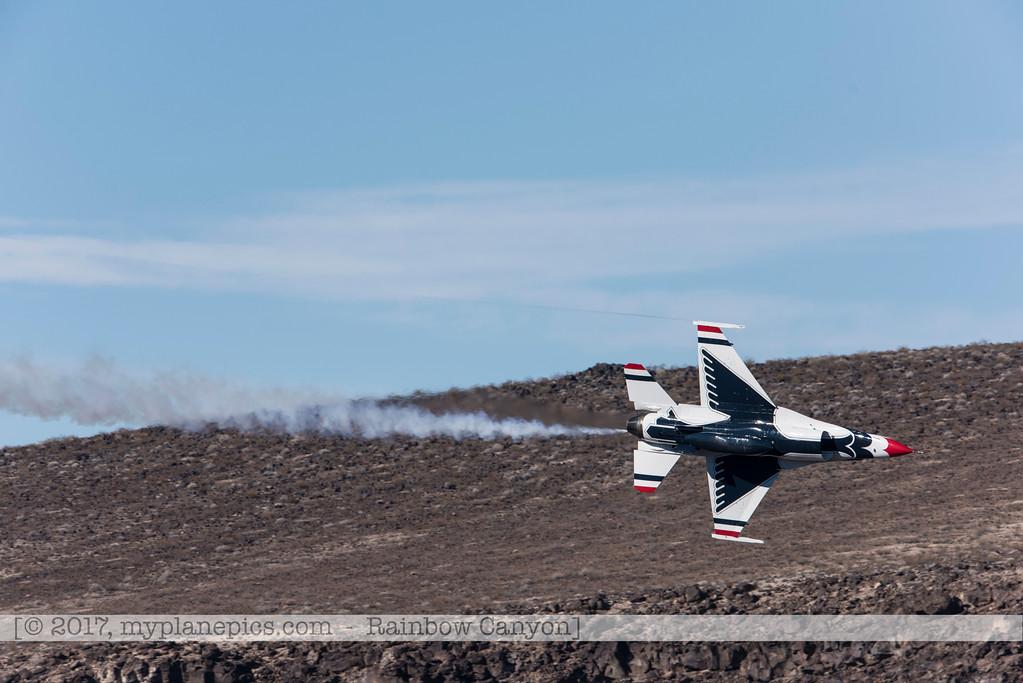 F20170131a133102_0189-Rainbow Canyon-F-16-Thunderbirds-No7
