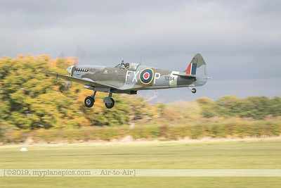F20171014a104500_2898-Spitfire HF9 TD314-Charlie Brown-taxiing