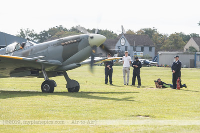 F20171014a103851_2836-Spitfire HF9 TD314-Charlie Brown-taxiing