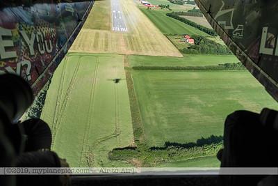 F20180608a081825_8310-Skyvan-OE-FDN-décollage-takeoff-landscape-Danemark