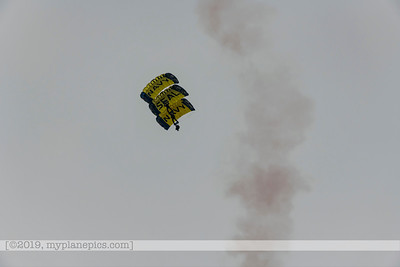 "F20180310a153042_7698-U S  Navy Parachute Team, ""The Leap Frogs"""