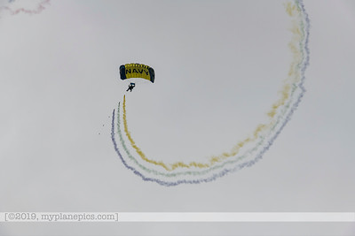 "F20180310a153100_7712-U S  Navy Parachute Team, ""The Leap Frogs"""