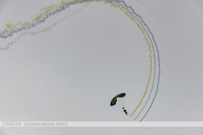 "F20180310a153058_7708-U S  Navy Parachute Team, ""The Leap Frogs"""