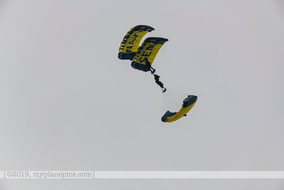 "F20180310a153120_7721-U S  Navy Parachute Team, ""The Leap Frogs"""