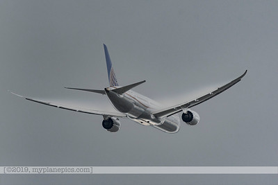 F20170218a131746_7357-settings D500-United-Boeing 787 Dreamliner-vapors (1)