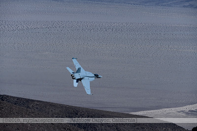 F20181107a104632_2795-VFA-113-Strike Fighter Squadron 113-Stingers-F-18F Super Hornet-306