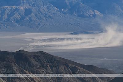F20181108a082635_1005-paysage-montagnes-tempête de sable-Death Valley