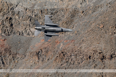 F20181108a124420_1211-General Dynamics F-16 Fighting Falcon-Belly