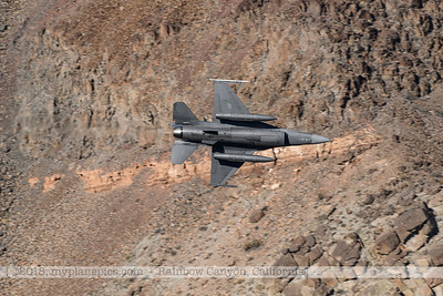 F20181108a124420_1214-General Dynamics F-16 Fighting Falcon-Belly