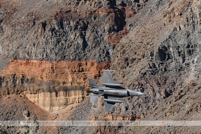 F20181108a124419_1207-General Dynamics F-16 Fighting Falcon-Belly