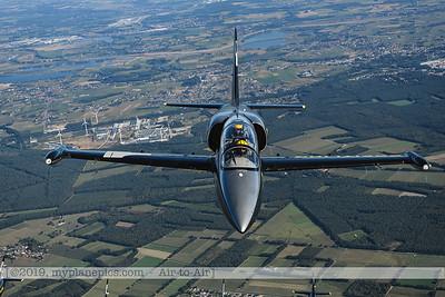 F20190914a160648_3709-BEST-Breitling Jet Team-L-39C Albatros-a2a
