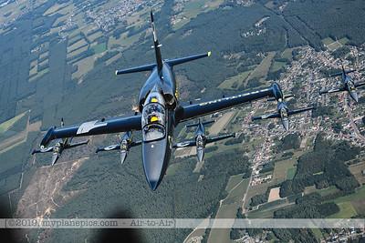 F20190914a160712_3743-BEST-Breitling Jet Team-L-39C Albatros-x5-a2a
