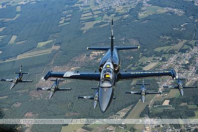F20190914a160718_3754-BEST-Breitling Jet Team-L-39C Albatros-x5-a2a
