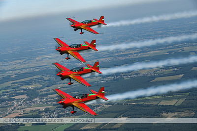 F20190914a132753_2776-Royal Jordanian Falcons-Extra 330LX-a2a