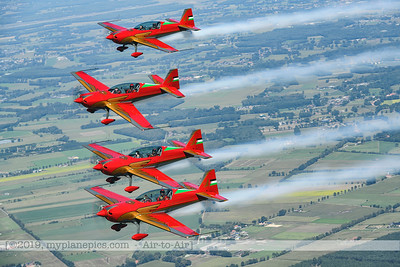 F20190914a132820_2825-BEST-Royal Jordanian Falcons-Extra 330LX-a2a