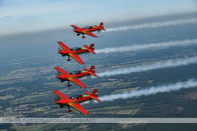 F20190914a132752_2775-Royal Jordanian Falcons-Extra 330LX-a2a