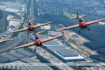 F20190914a132342_2519-Royal Jordanian Falcons-Extra 330LX-a2a