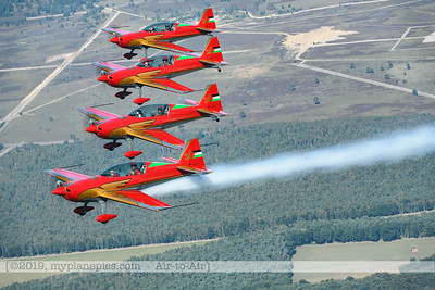 F20190914a132902_2862-BEST-Royal Jordanian Falcons-Extra 330LX-a2a