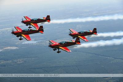 F20190914a132708_2701-Royal Jordanian Falcons-Extra 330LX-a2a