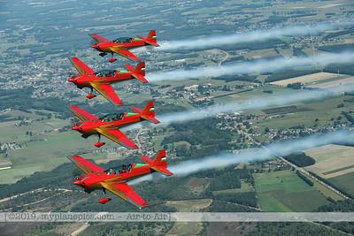 F20190914a132807_2803-Royal Jordanian Falcons-Extra 330LX-a2a