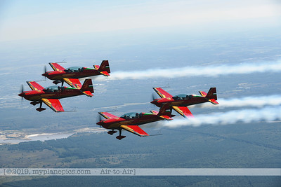 F20190914a132709_2707-Royal Jordanian Falcons-Extra 330LX-a2a