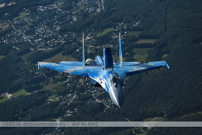 F20190914a161928_3917-Sukhoi Su-27 Flanker-Ukraine Air Force-39 Blue-a2a