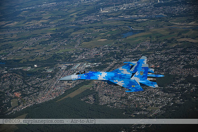 F20190914a162004_7163-Sukhoi Su-27 Flanker-Ukraine Air Force-39 Blue-a2a