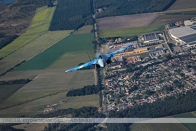 F20190914a161827_3816-Sukhoi Su-27 Flanker-Ukraine Air Force-39 Blue-a2a