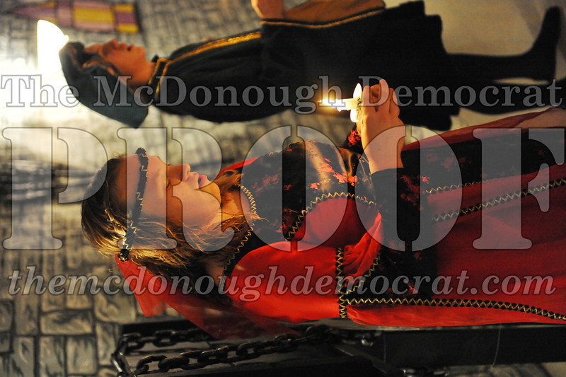 AHS Madrigal Dinner 12-11-10 042