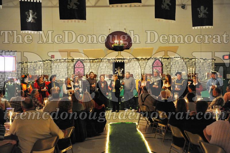 AHS Madrigal Dinner 12-11-10 041