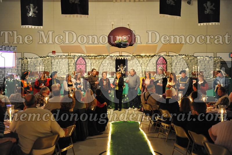 AHS Madrigal Dinner 12-11-10 040