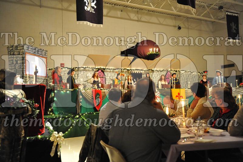 AHS Madrigal Dinner 12-11-10 005